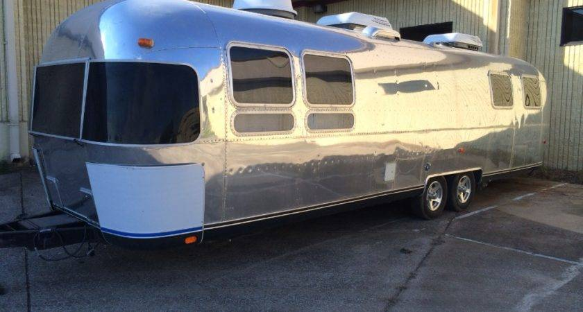 Airstream Land Yacht Tennessee