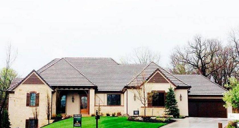 Award Winning Loch Lloyd Model Home Builder Cecil Ray Homes