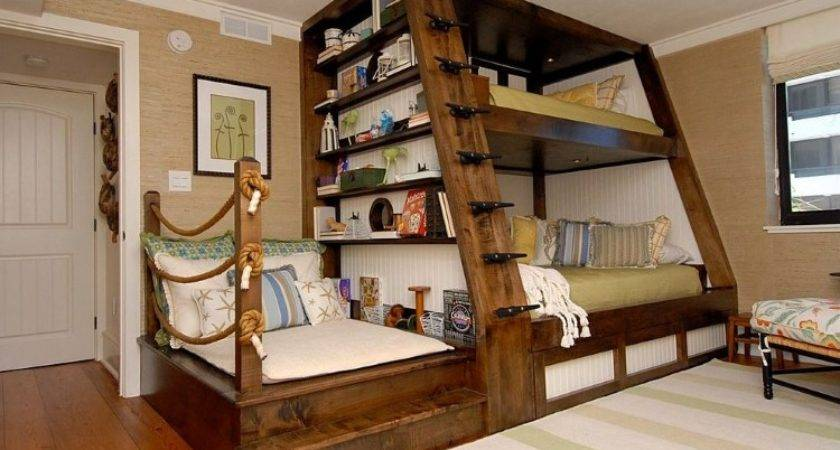 Beautiful Southern Designed Bunk Bed Compact Sitting Space