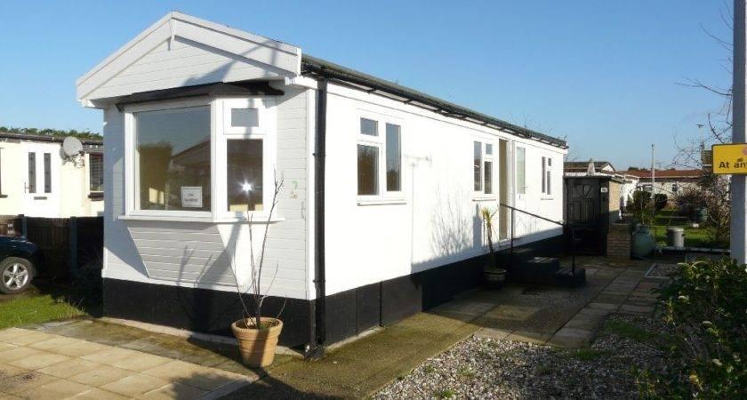 Bedroom Mobile Home Sale Kings Park Creek Road Canvey Island