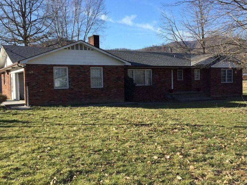 Blakely Middlesboro Home Sale Real Estate
