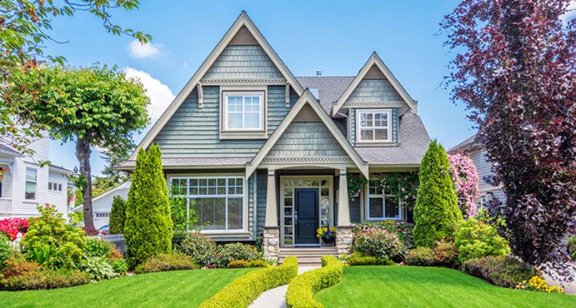Buying House Before Selling Yours Macomb County