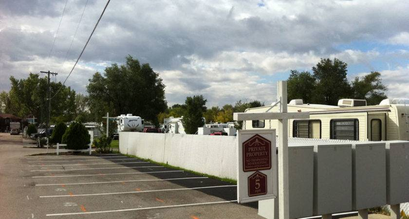 Campers Residents Century Mobile Home Park