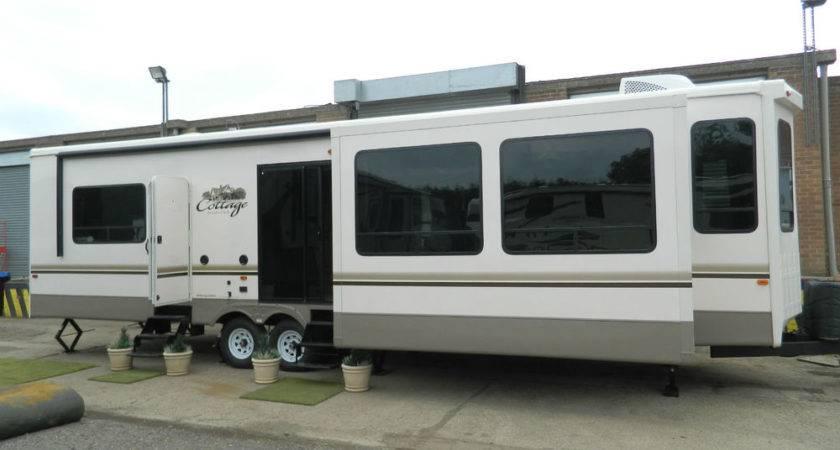 Cedar Creek Cottage Park Home Mobile Trailer Motorhome Caravan