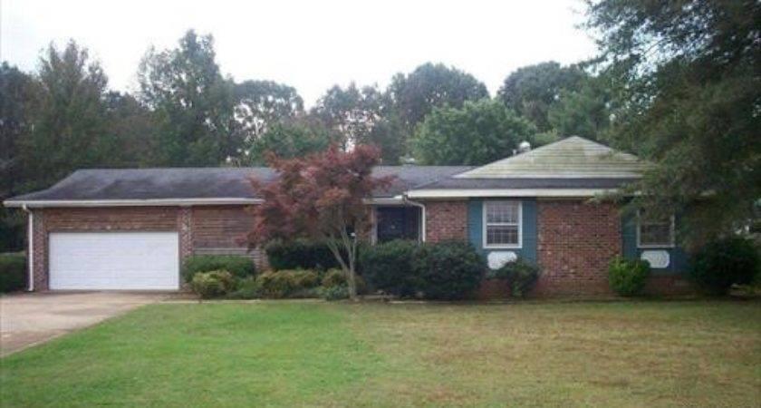 Christmasville Jackson Tennessee Reo Home