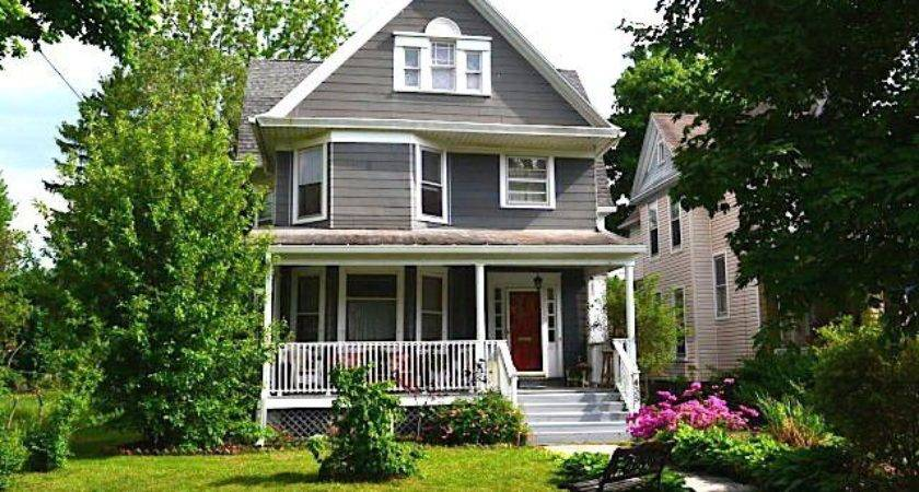 Cool Houses Under Budget Friendly Housing