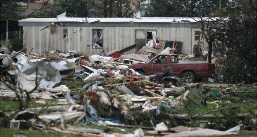 Debris Mobile Home Park West Shawnee Destroyed