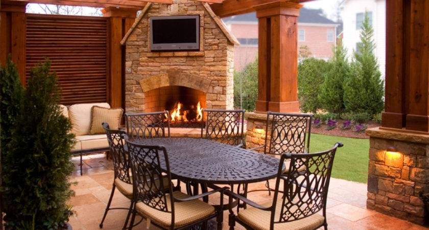 Design Contracting Helps Transform Your Outdoor Living Space