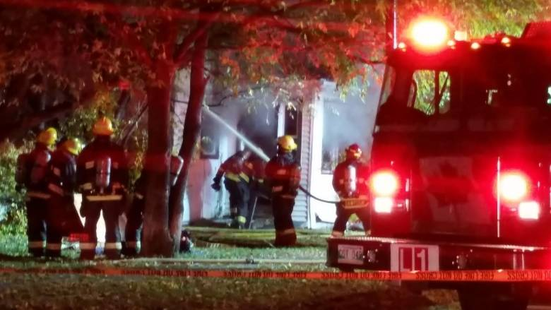 Fire Engulfs House Winnipeg Elmwood Neighbourhood Manitoba