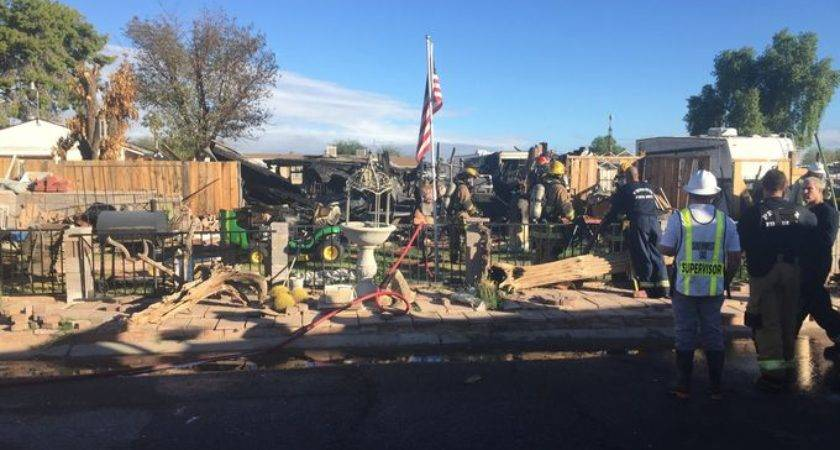 Fire Explosions Rock Mobile Home Northwest Phoenix