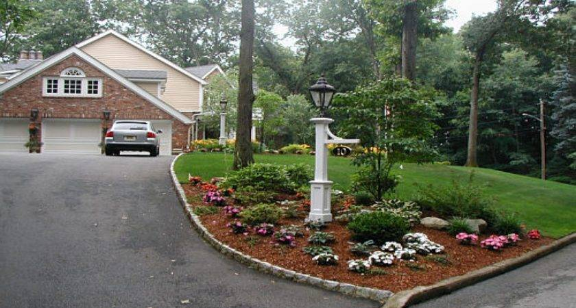 Garden Light Posts Welcoming Entrance Ideas Driveway