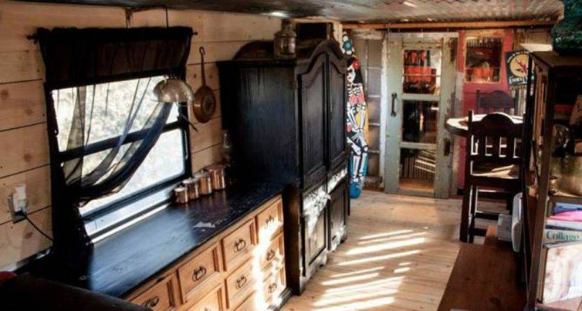Gorgeous Shabby Chic Spartan Mobile Home Living