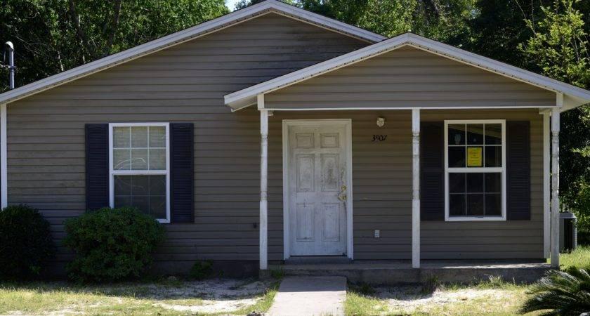 Habitat Houses Being Sold Far Below Appraisals