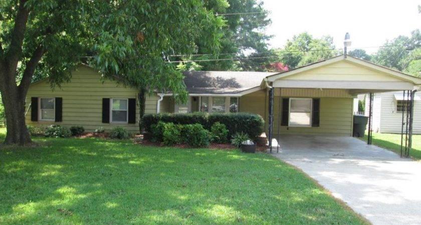 Homes Rent Greensboro Pavilion Village