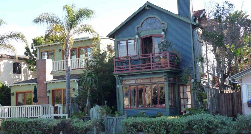Houses Balconies Gleaming Windows Boat