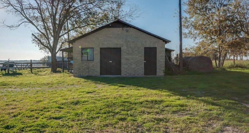 Hwy North Schulenburg Sale Homes