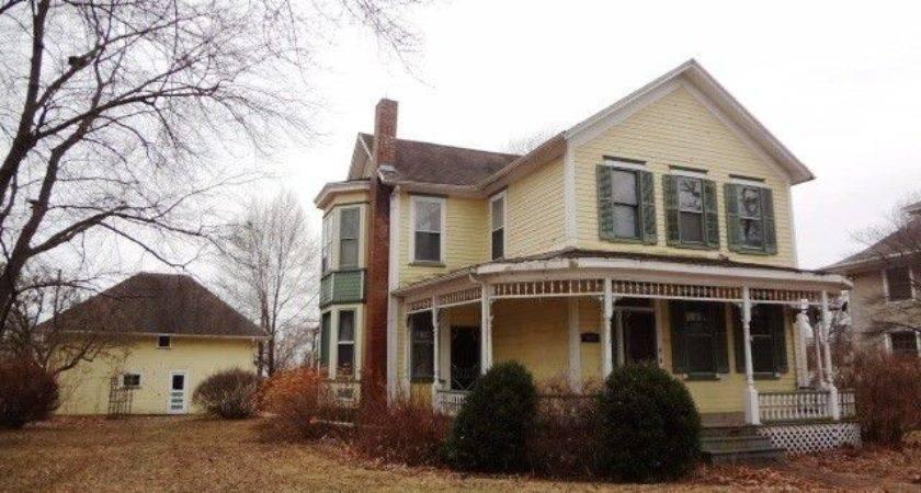 Illinois Victorian Foreclosure Old