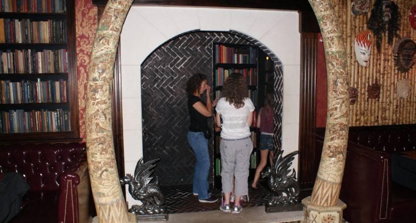 Jekyll Hyde Restaurant Bathroom Club Brings