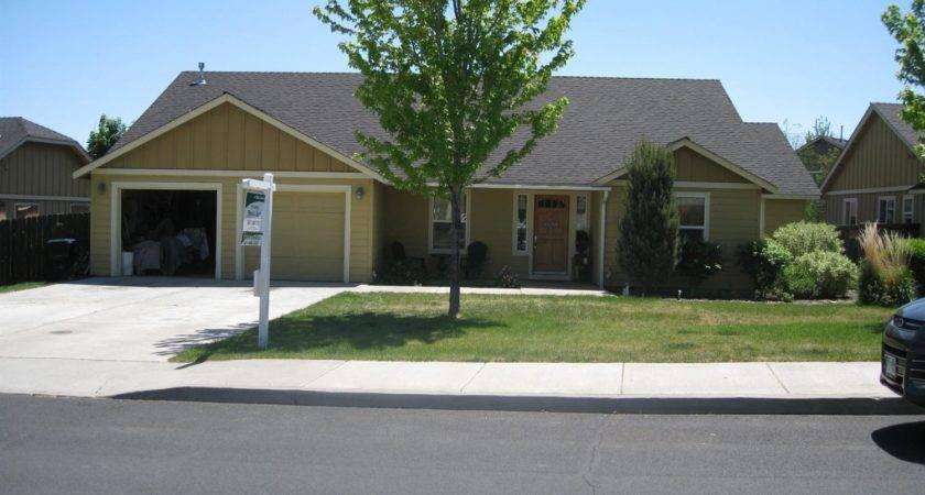 Kalama Avenue Redmond Bend Homes Real Estate