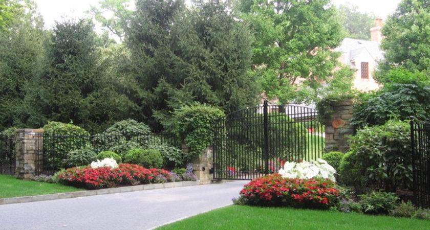 Landscaping Ideas Driveway Entrance Pdf