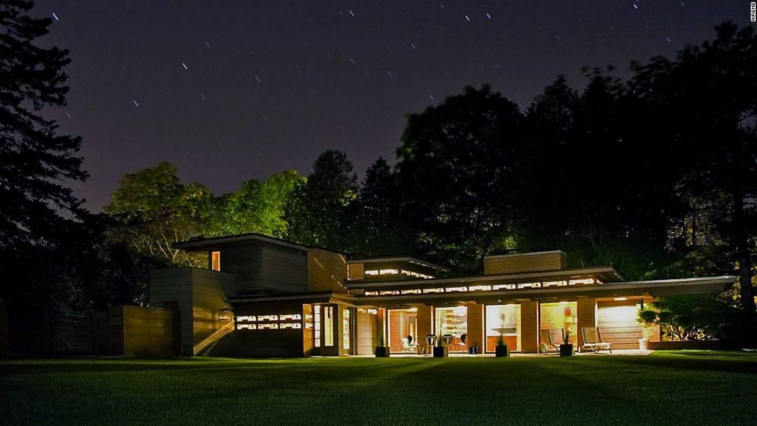 Like Many Frank Lloyd Wright Homes Bernard Schwartz House