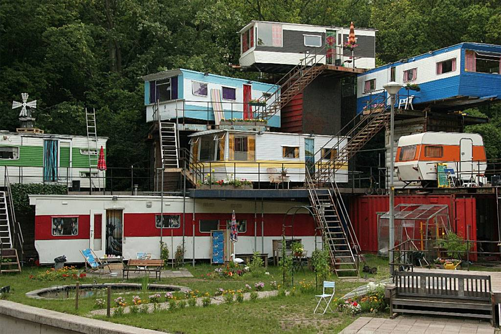 Living Trailer Homes Much Made His Own Little