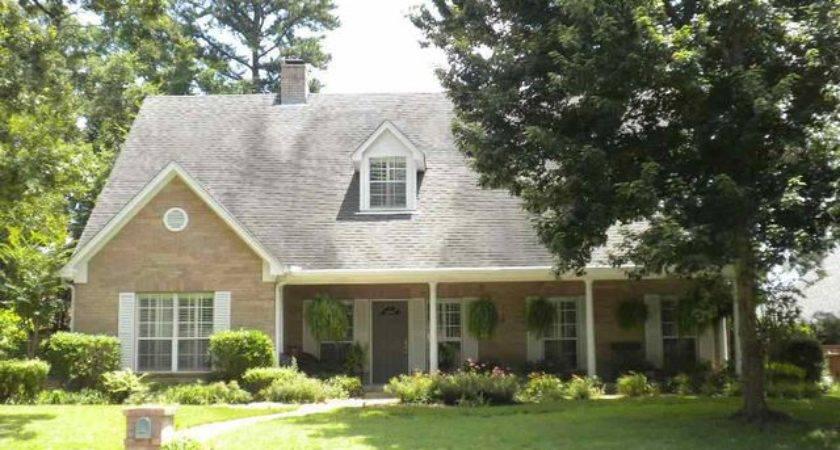 Lovers Longview Home Sale