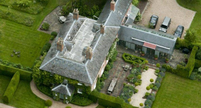 Middletons New Home Larger More Privacy