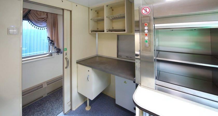 Mobile Home Decor Smart Shelving Space