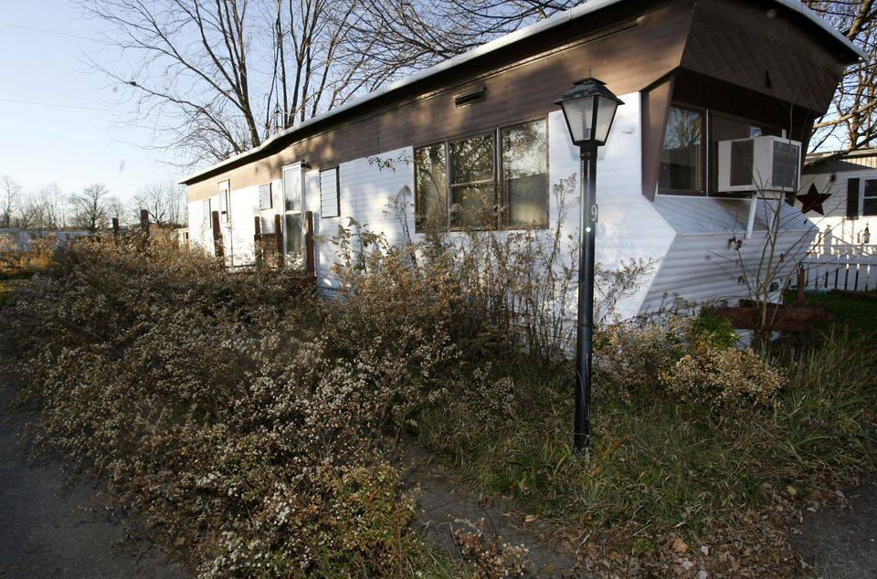 Mobile Home Parks Foreclosure Residents Allege Upkeep Ignored
