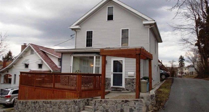 Morgantown Real Estate Agent Theresa Palmer Details