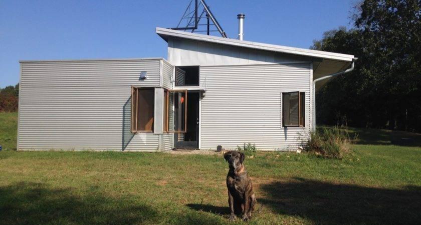Off Grid Modern Prefab House Thinks Solar Farms