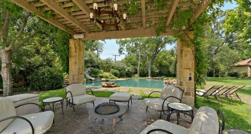 Outdoor Living Spaces Harold Leidner