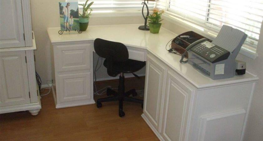 Photos Offices Built Desks Bookshelves