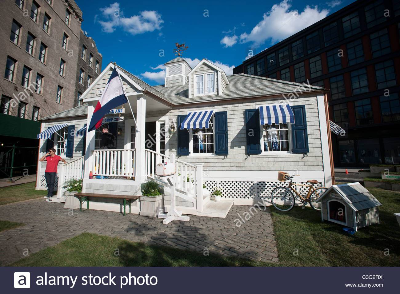 Pre Fab Beach Cottage Meatpacking District Houses Tommy