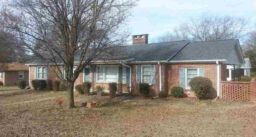Property Sale Leafwood Drive Taylors