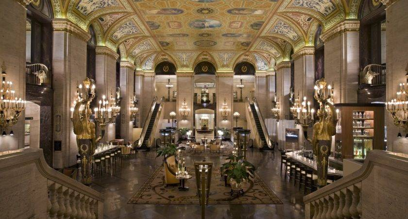 Pull Palmer House Hilton Chicago Appears