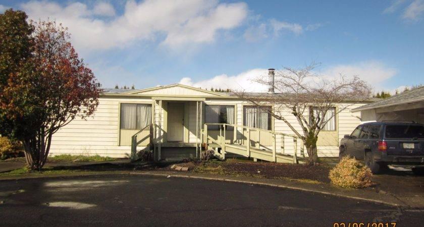 Senior Retirement Living Fleetwood Manufactured Home