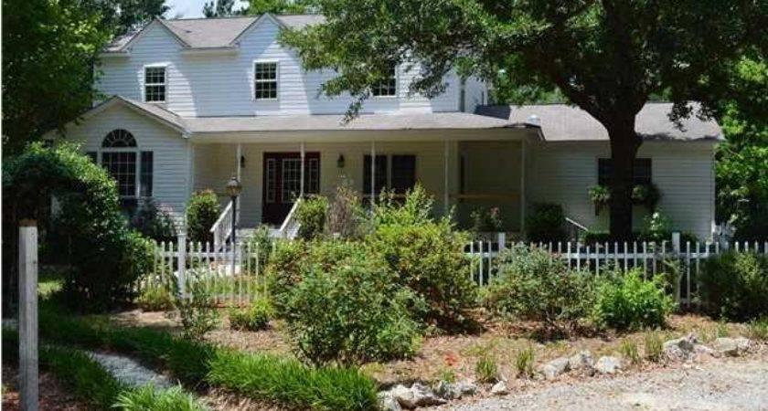 Senrab Blvd Summerville Foreclosed Home