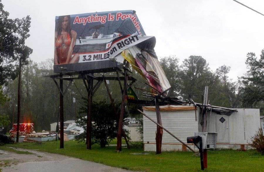 Sign Several Mobile Homes Were Damaged Winds New Bern