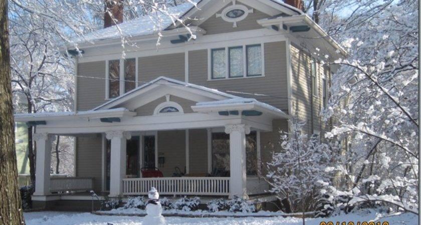 Snow Christmas Joan Pretty Old House Houses