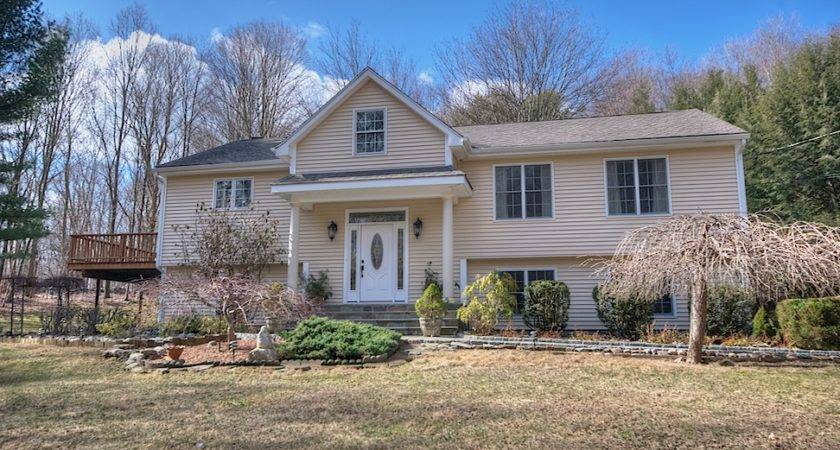 Somers Home Sale Located Mile Metro North Train Putnam