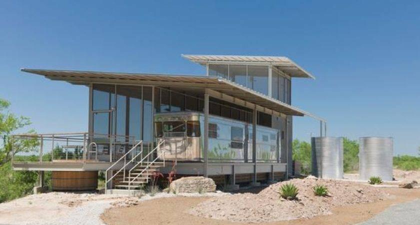 Spartan Gets Modern Mobile Home Living