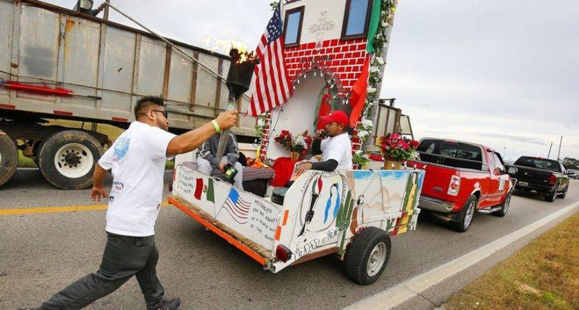 Torch Mexico City Passses Through Calhoun County Anniston