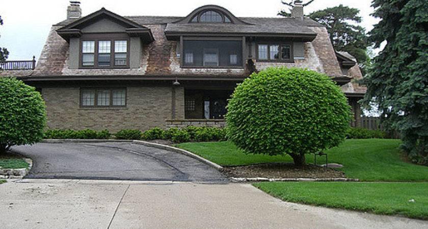 Warren Buffett Home Side Bruno